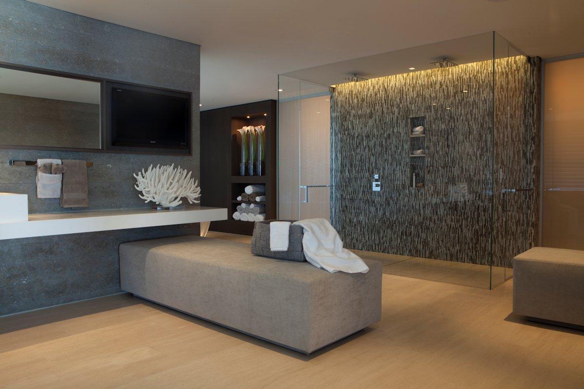 Glass Double Shower, Bathroom, Beach House in Laguna Beach, California