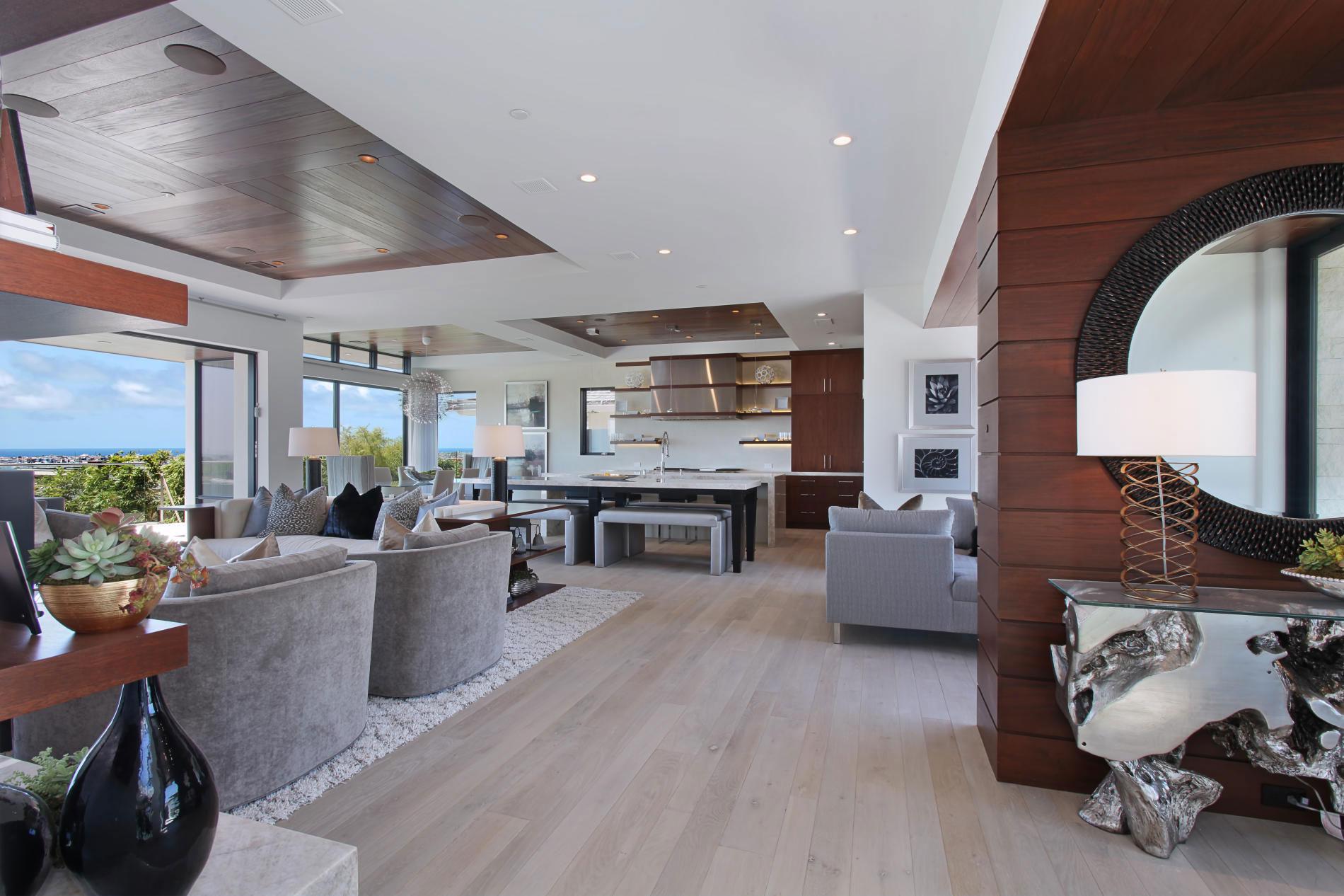 Open Plan Living, Sofas, Mirror, Table Lighting, Home in Corona del Mar, California