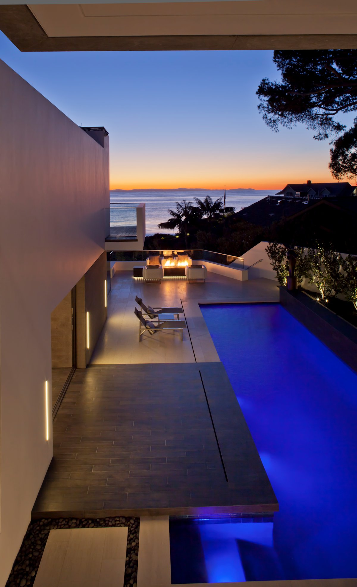 Outdoor Pool, Lighting, Beach House in Laguna Beach, California