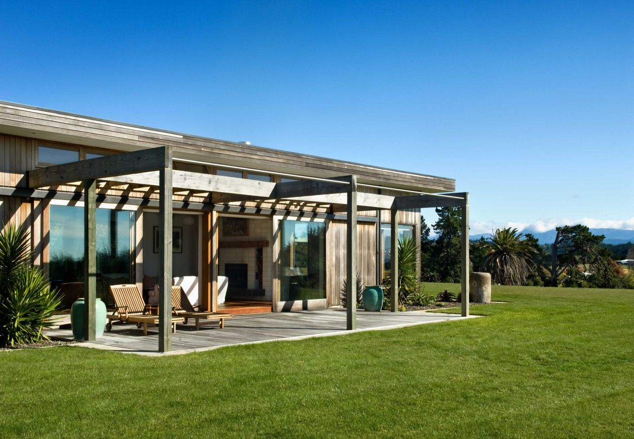 Pergoda, Deck, Modern Home in Nelson, New Zealand