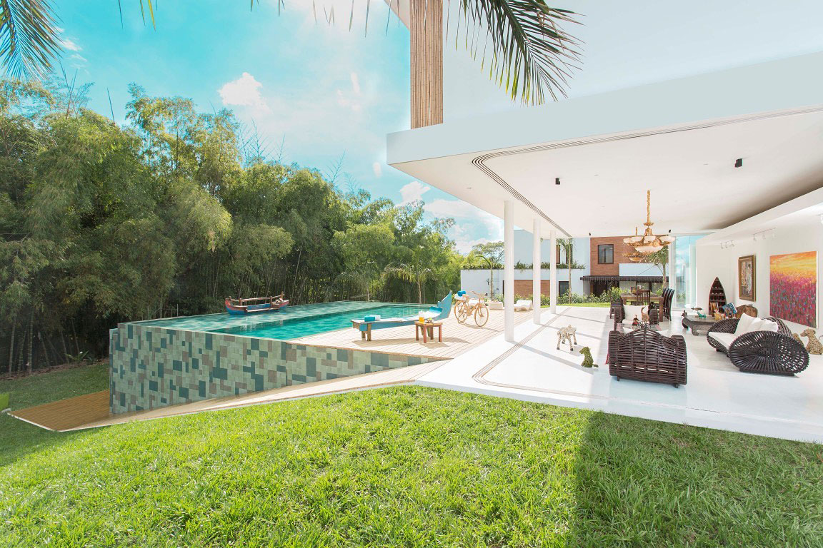 Pool, Terrace, Living Space, Family Home in Pereira, Colombia