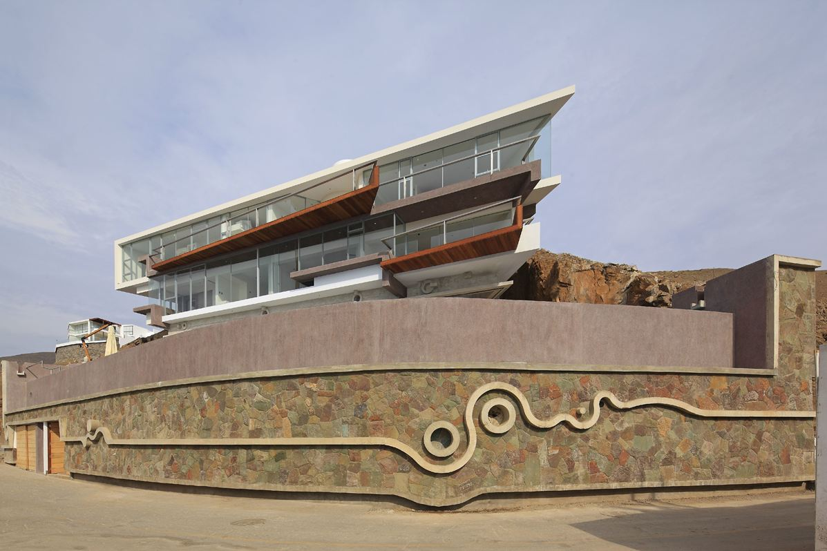 Stone Wall, Beach House in Lima, Peru
