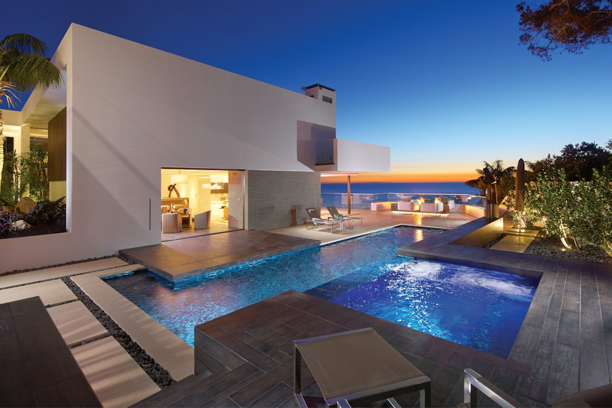 Swimming Pool, Terrace, Beach House in Laguna Beach, California
