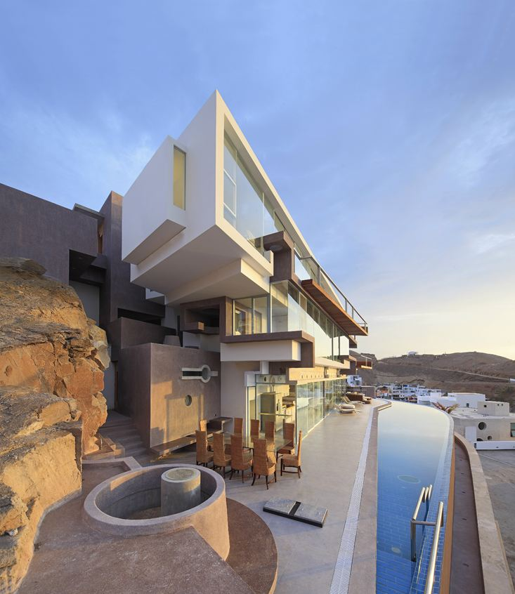 Breathtaking Beach House in Lima, Peru