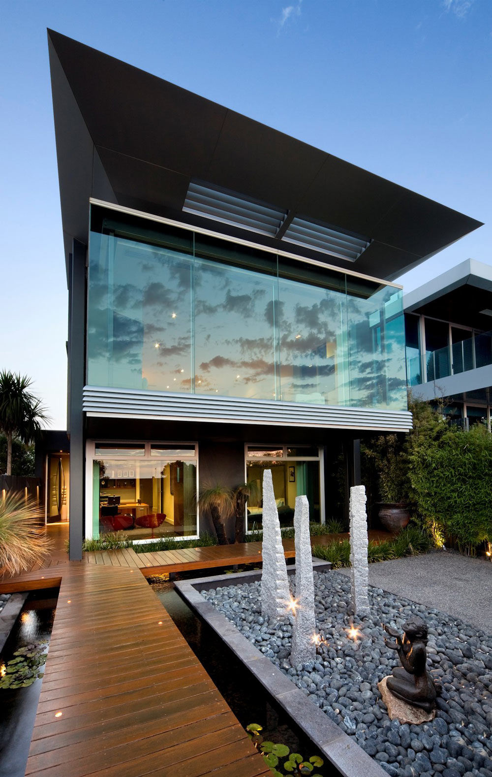 Water Feature, Garden, Contemporary Home in Brighton, Australia