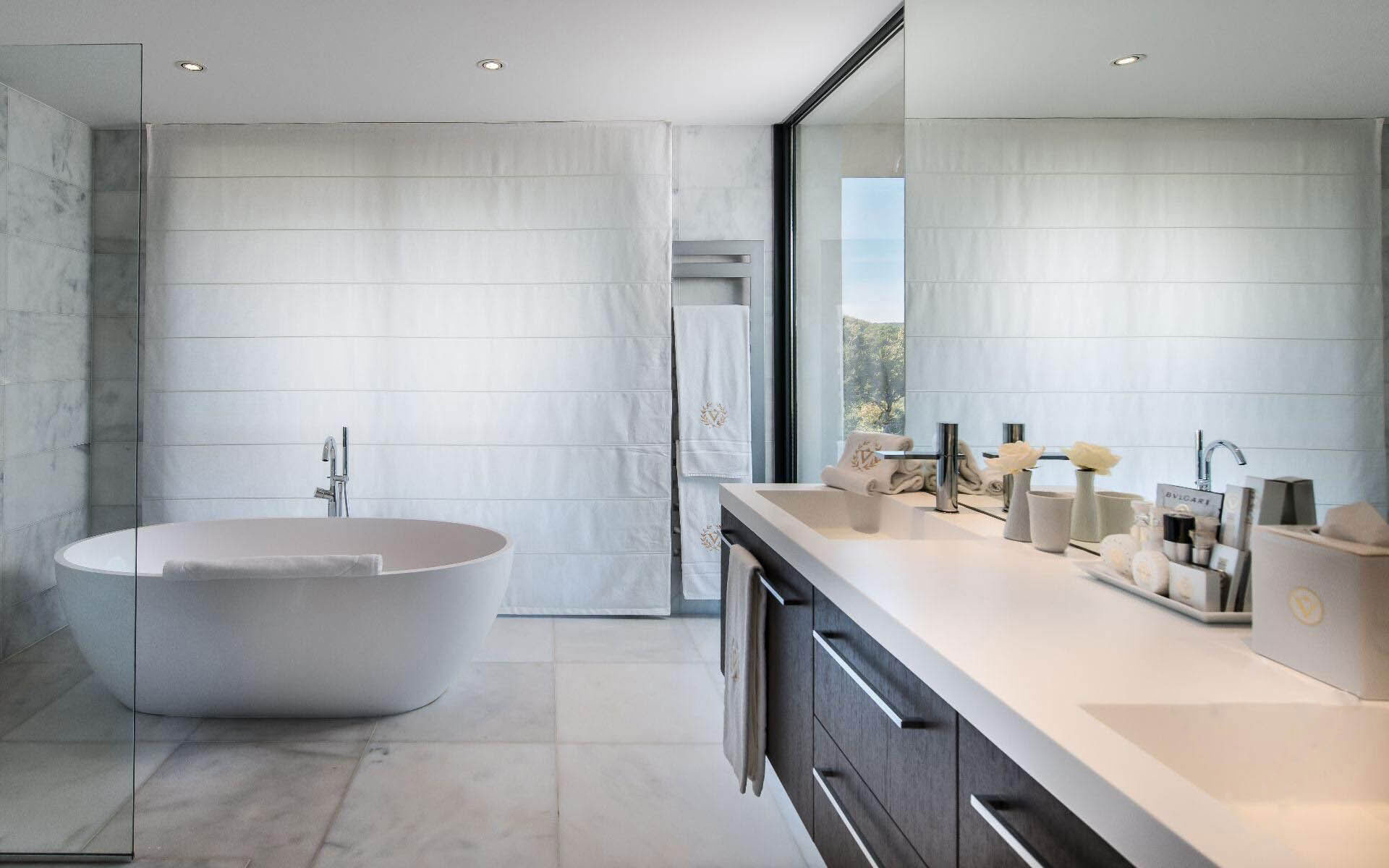 Bath, Sinks, Bathroom, Luxury Holiday Villa in Saint-Tropez, France