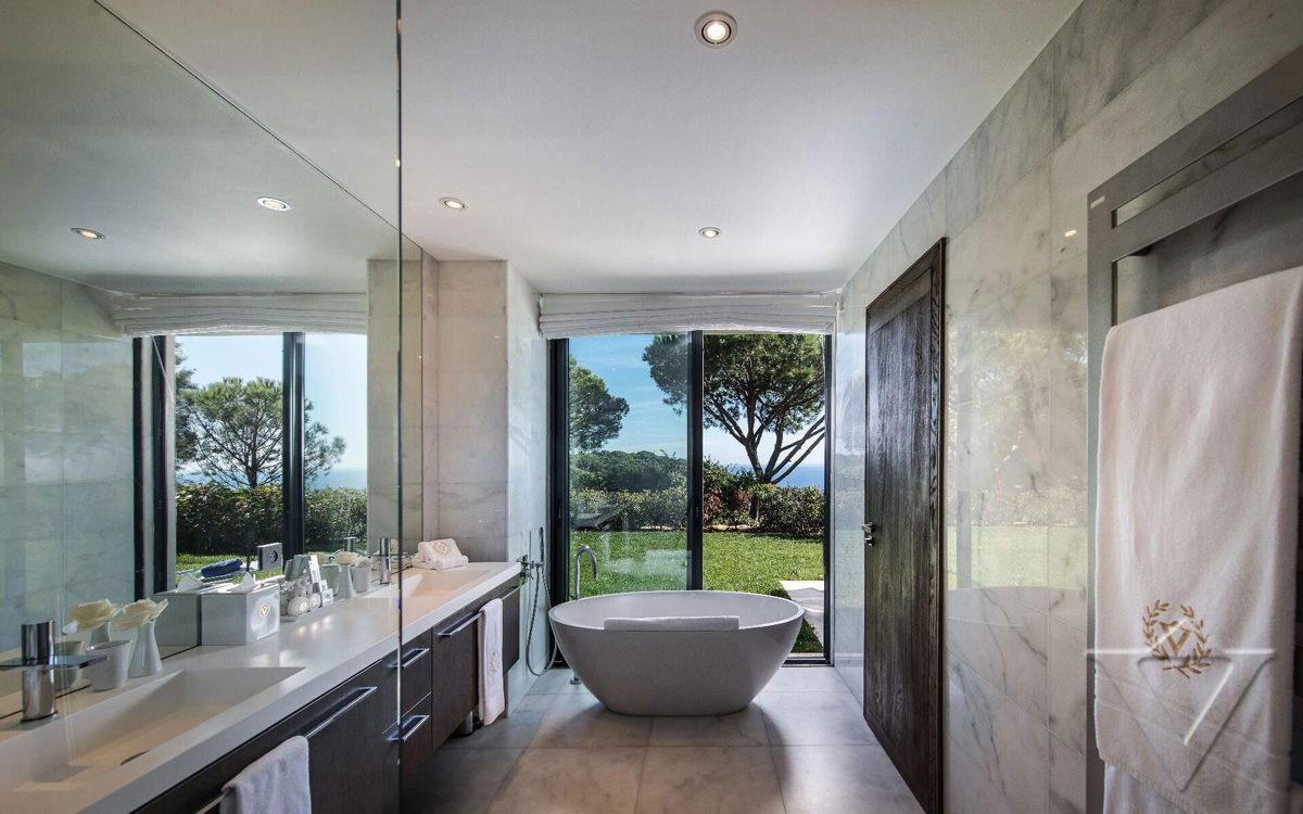 Bathroom, Luxury Holiday Villa in Saint-Tropez, France