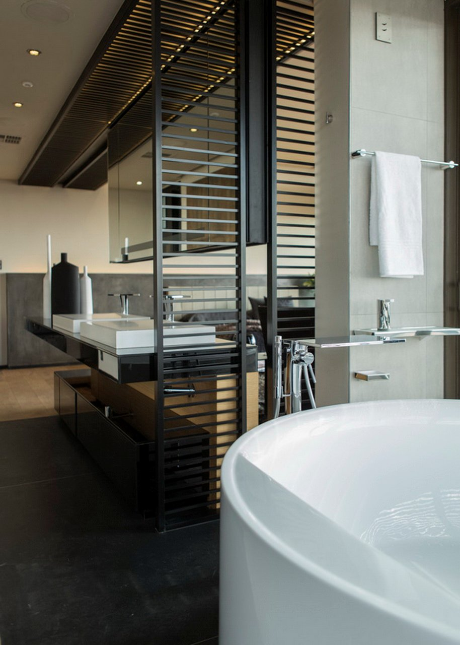 Bathroom, Modern Residence in Pretoria, South Africa