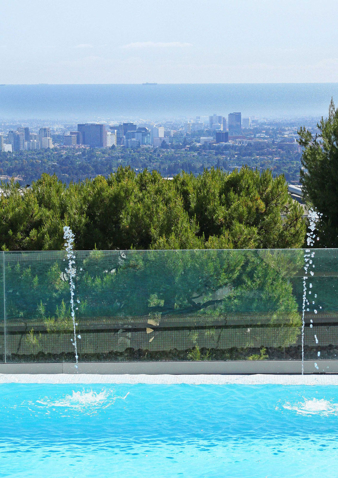 City Views, Swimming Pool, Glass Balustrading, Revamped Interior in Beverly Hills