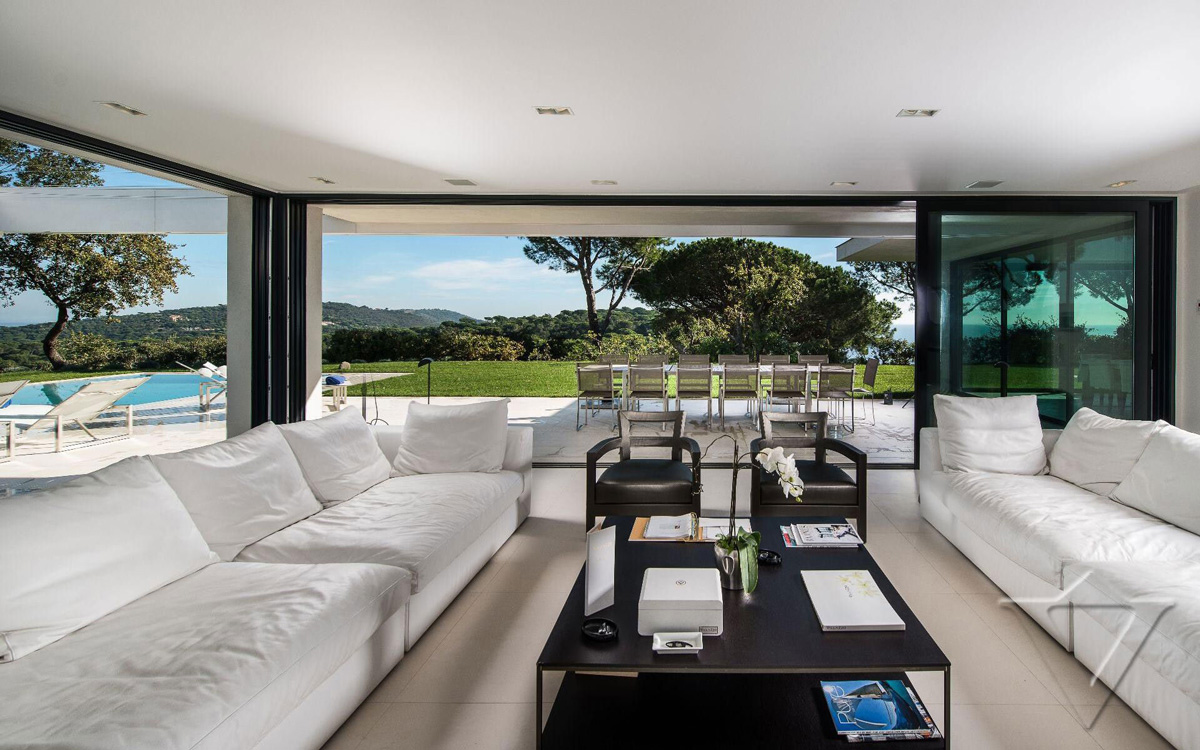 Dark Coffee Table, White Sofas, Luxury Holiday Villa in Saint-Tropez, France