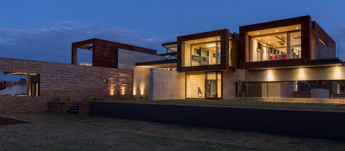 Garden, Lighting, Luxurious Modern Residence in Pretoria, South Africa