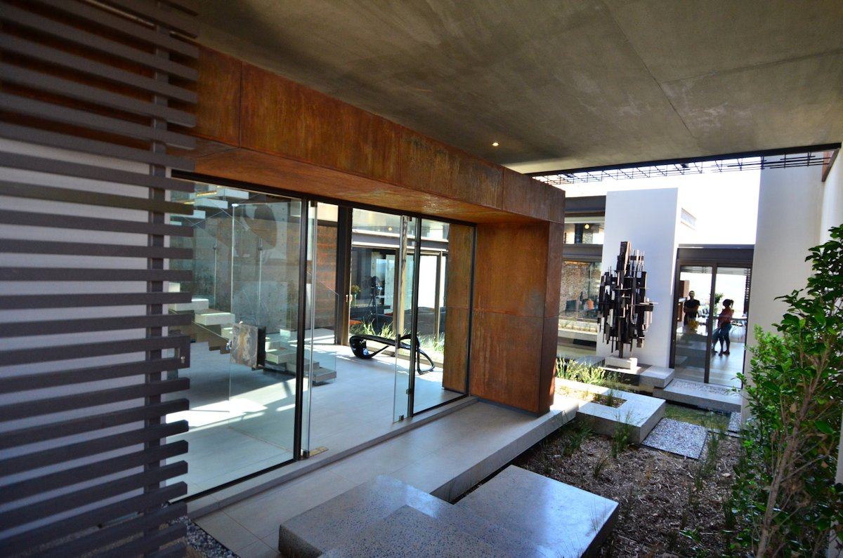 Glass Door, Courtyard, Modern Residence in Pretoria, South Africa