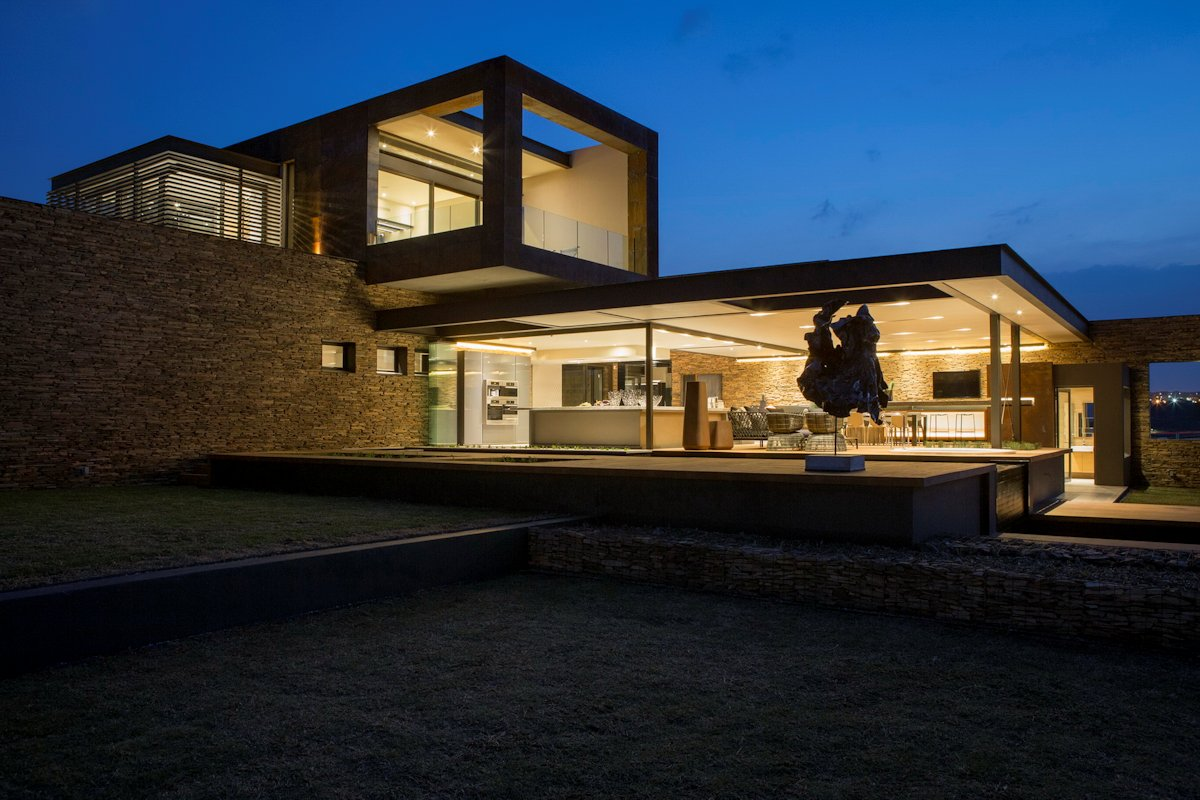 Open Plan Living, Lighting, Luxurious Modern Residence in Pretoria, South Africa