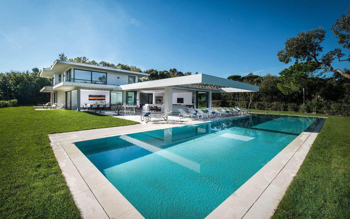 Outdoor Pool, Terrace, Luxury Holiday Villa in Saint-Tropez, France