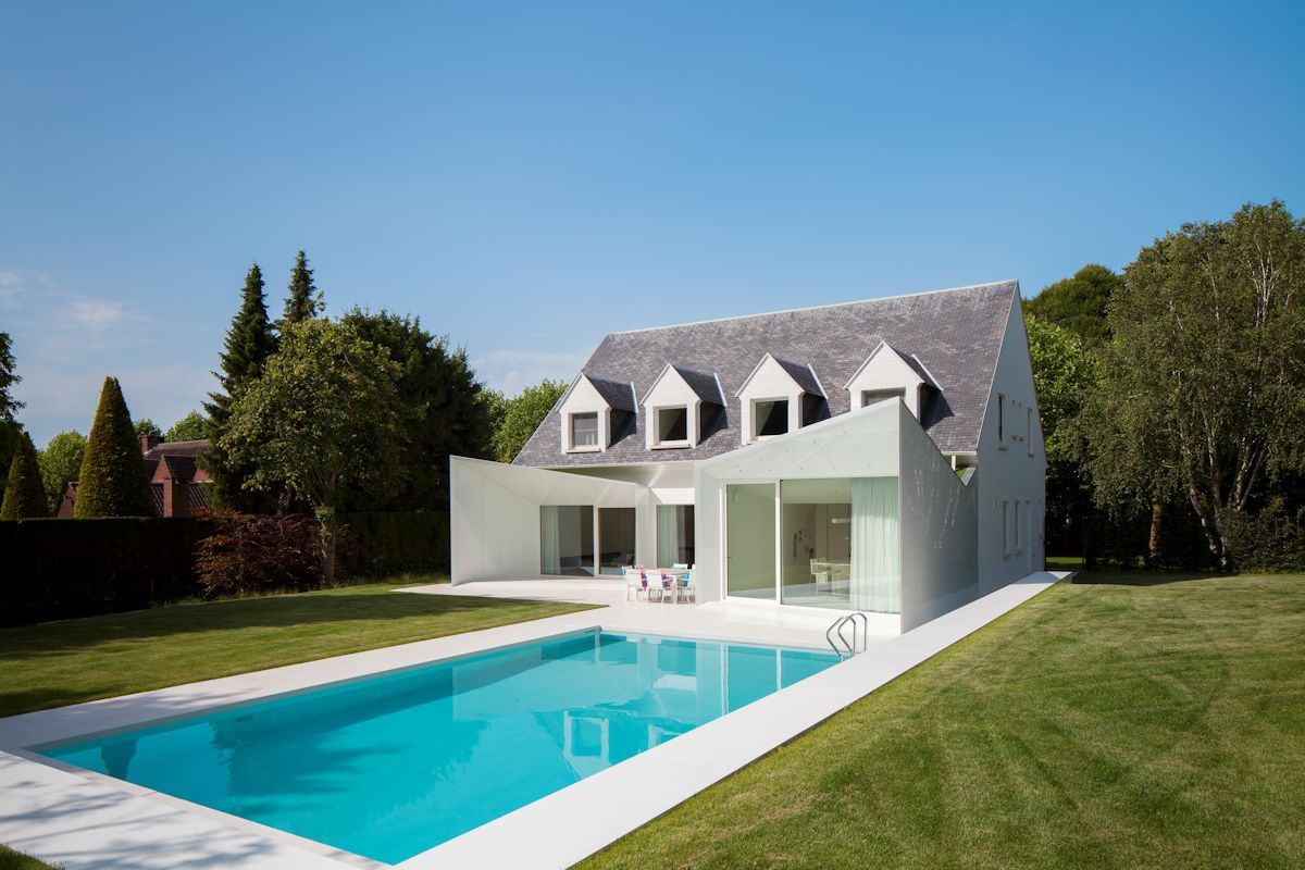 Contemporary Renovation Near Brussels, Belgium
