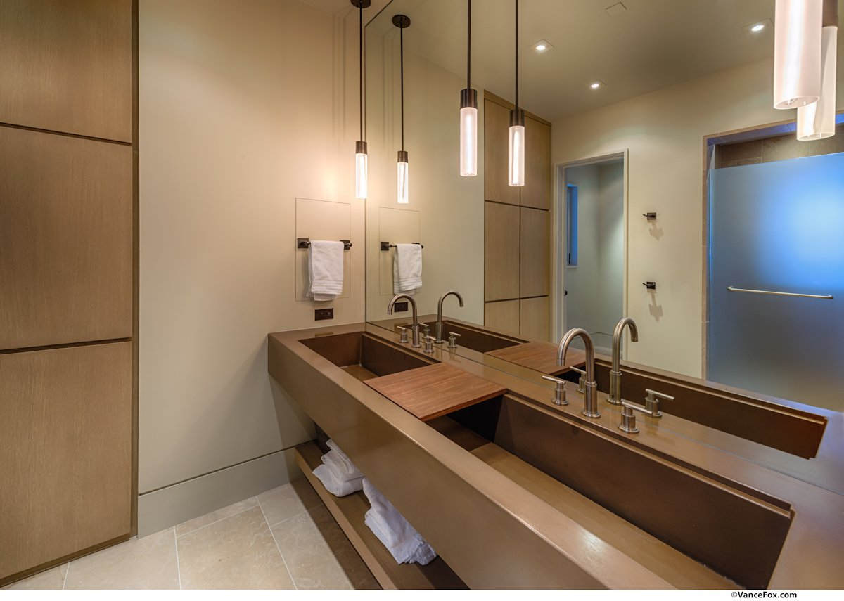 Sinks, Pendant Lights, Bathroom, Home near Lake Tahoe, California