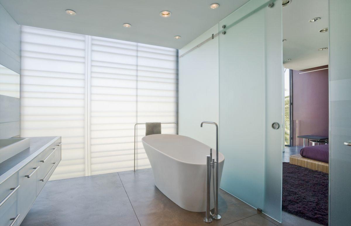 Bathroom, Hover House 3, Los Angeles, California