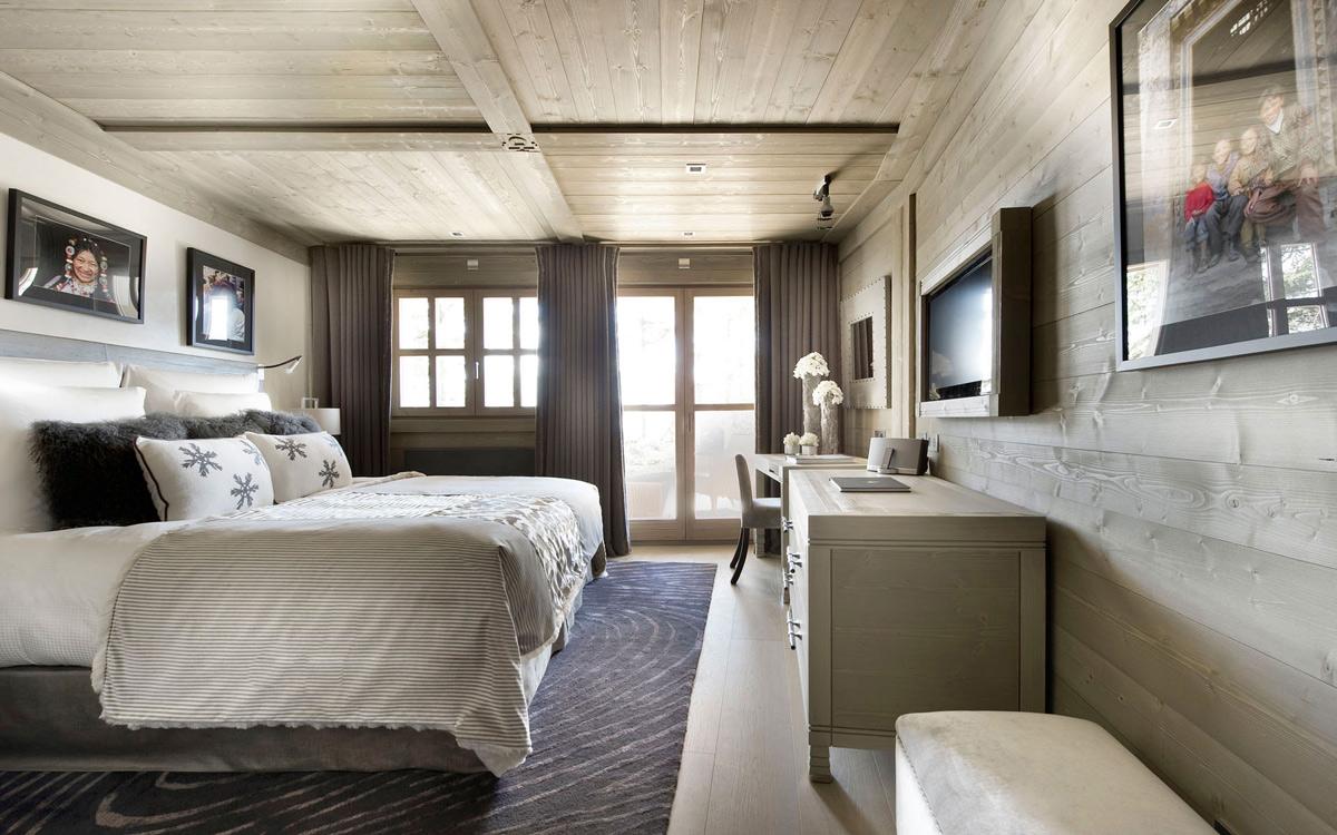 Bedroom, Balcony, Ski Chalet in Courchevel 1850, France