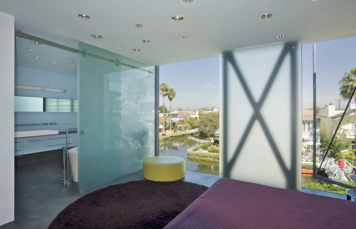 Bedroom, Bathroom, Hover House 3, Los Angeles, California