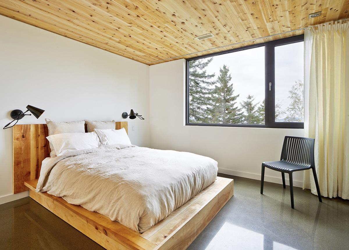 Bedroom, Malbaie VIII Residence in Charlevoix