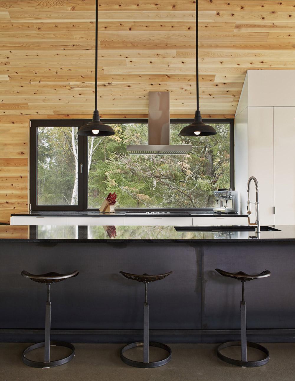 Breakfast Bar, Kitchen Island, Malbaie VIII Residence in Charlevoix