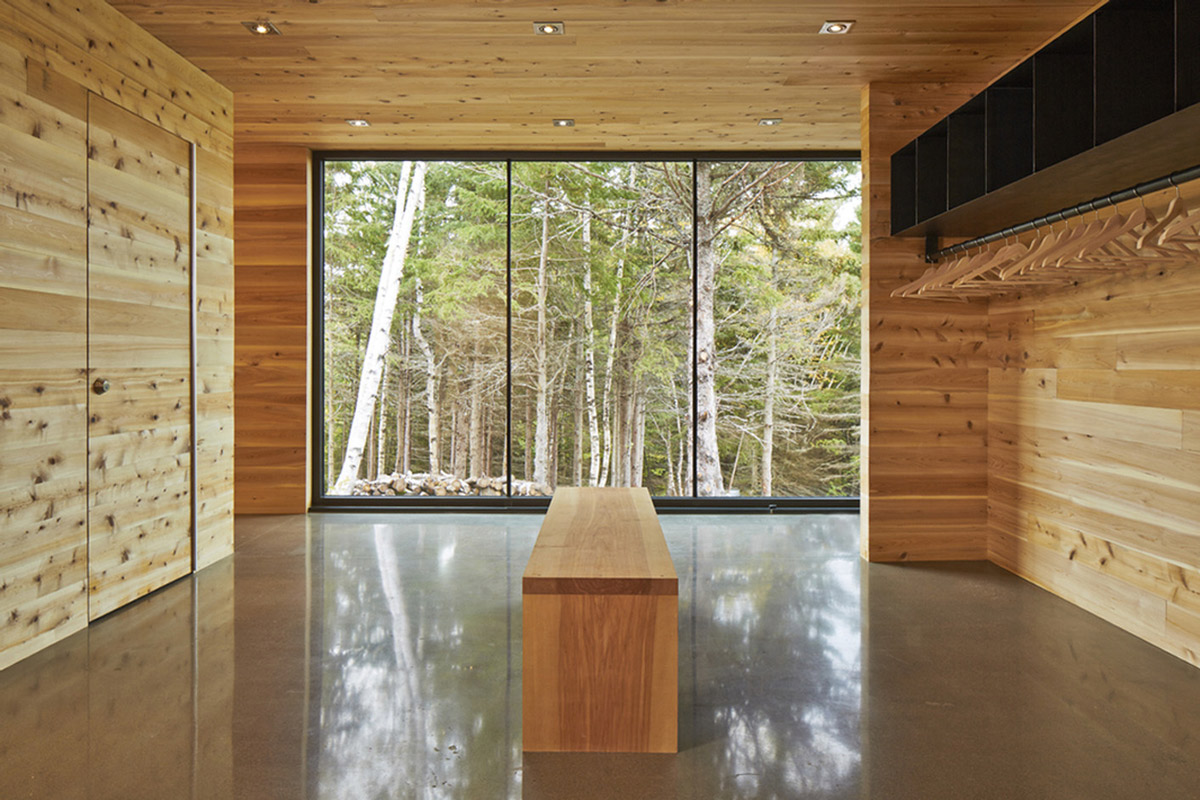 Dressing Room, Malbaie VIII Residence in Charlevoix