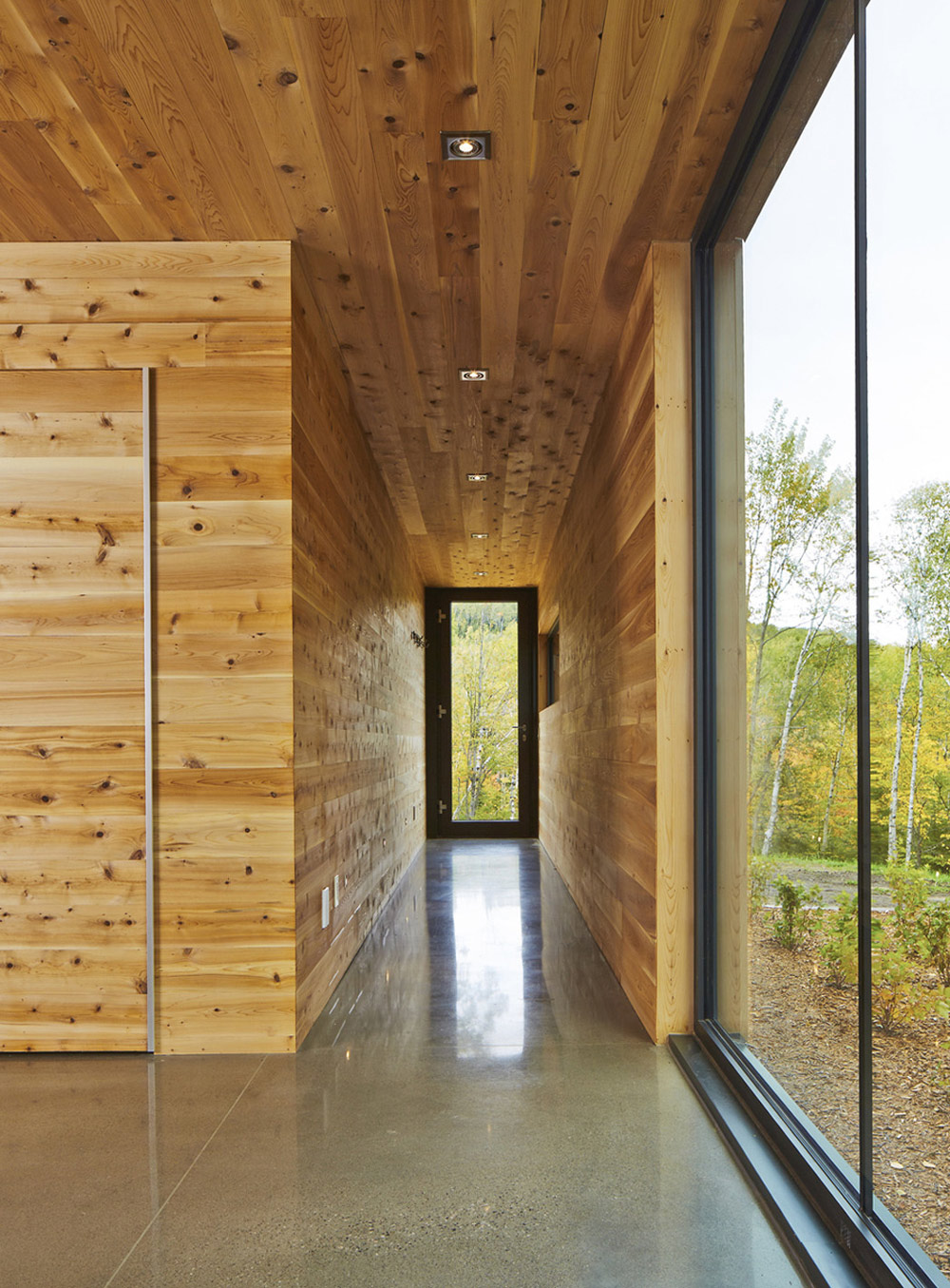 Entrance Hall, Glass Sliding Doors, Malbaie VIII Residence in Charlevoix