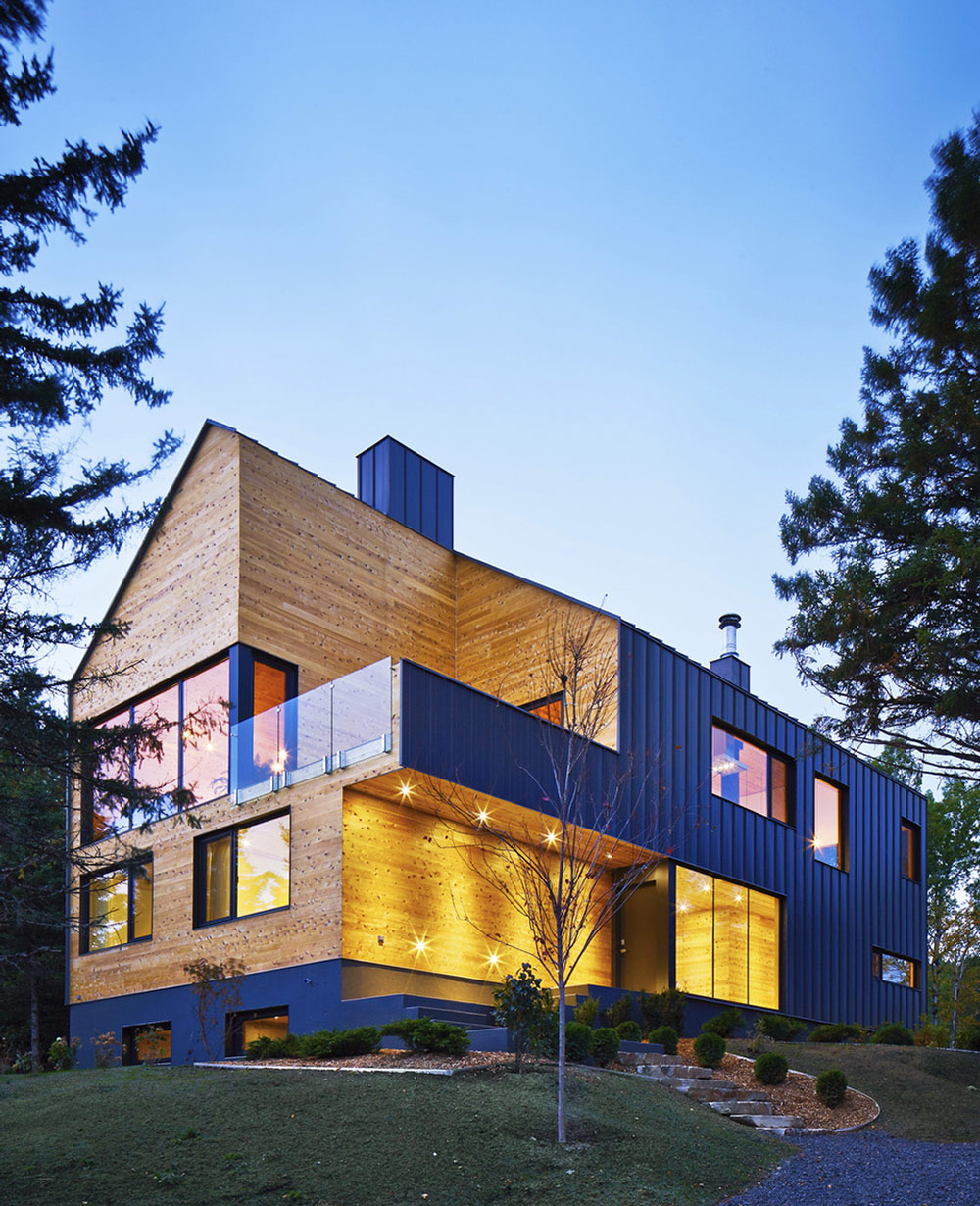 Evening Lighting, Malbaie VIII Residence in Charlevoix