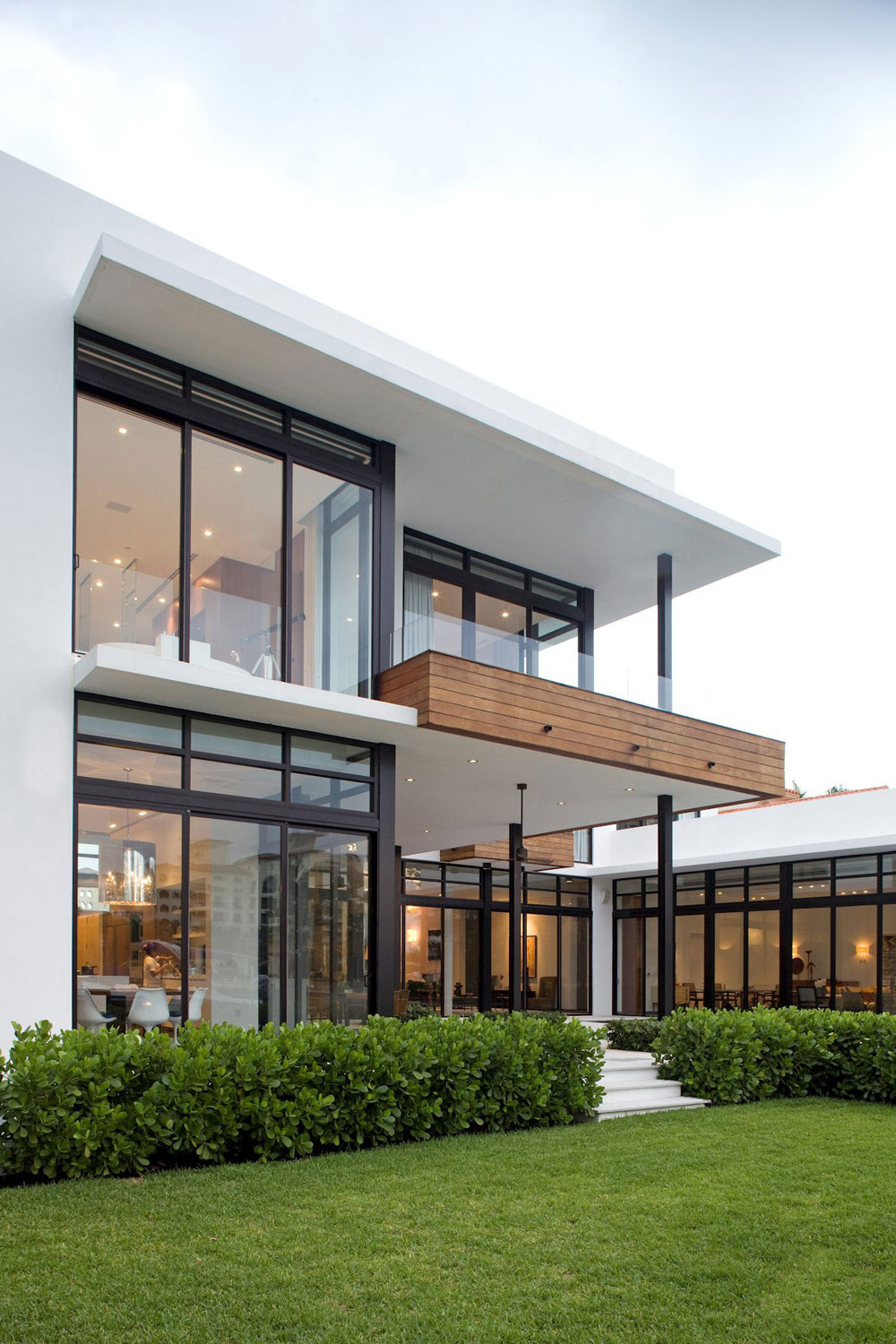 Floor to ceiling windows modern home in golden beach florida for House design minimalist modern 1 floor