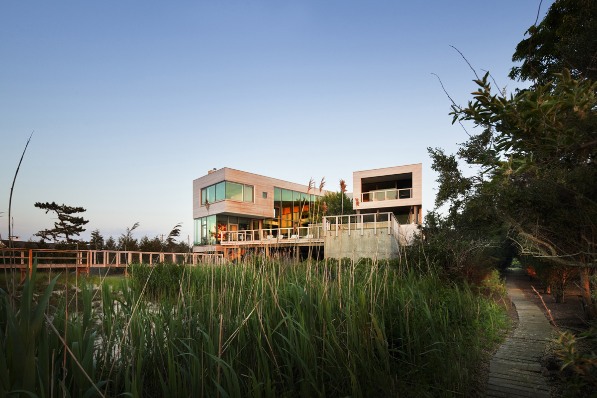 Modern Bay House in Westhampton Beach, New York
