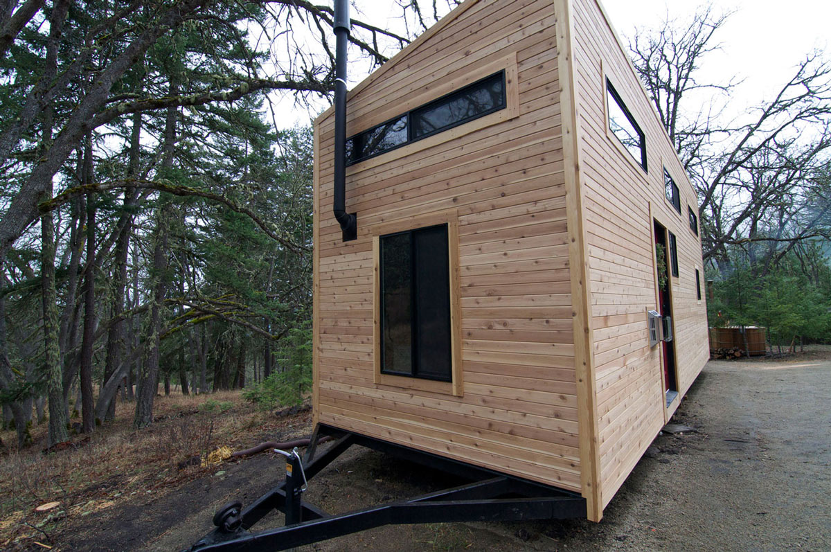 tiny house on wheels home by andrew and gabriella morrison. Black Bedroom Furniture Sets. Home Design Ideas
