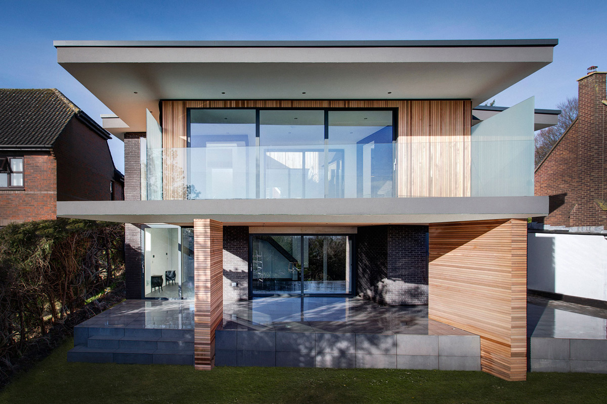 Modern Home with Upside-Down Layout: 4 Views in Hampshire, England