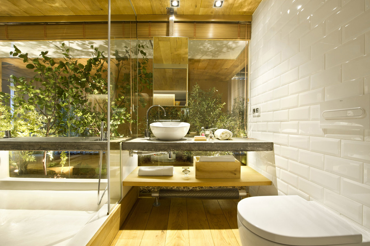 Bathroom, Loft Style Home in Terrassa, Spain