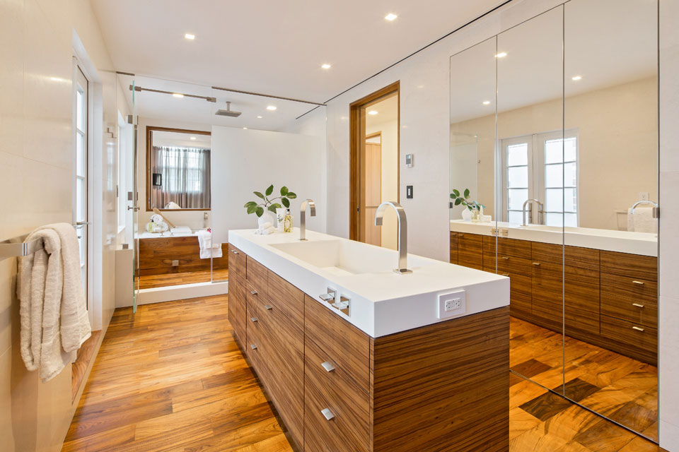 Bathroom, Wooden Floor, Mirrors, Penthouse Apartment in TriBeCa, New York City