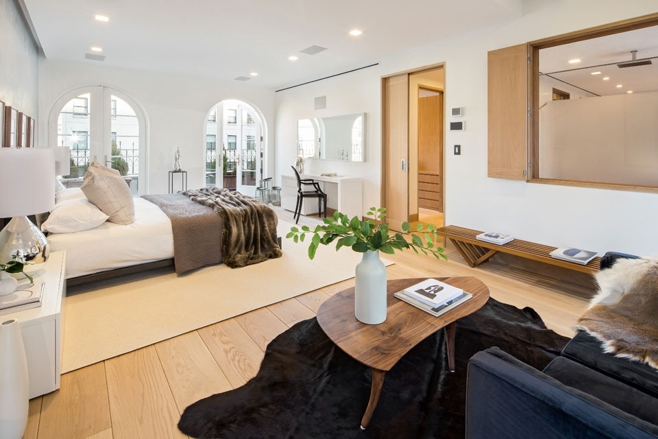 Bedroom, Rug, Table, Sofa, Penthouse Apartment in TriBeCa, New York City