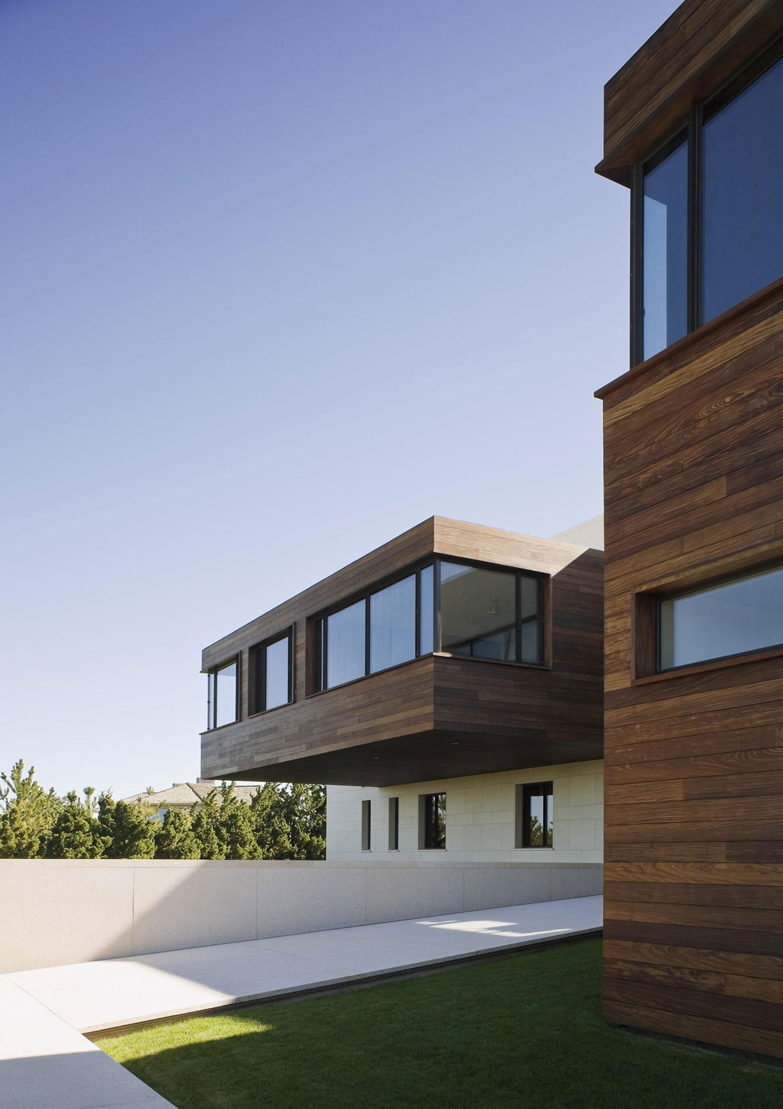 Cantilevered Room, Summer Retreat in Southampton, New York