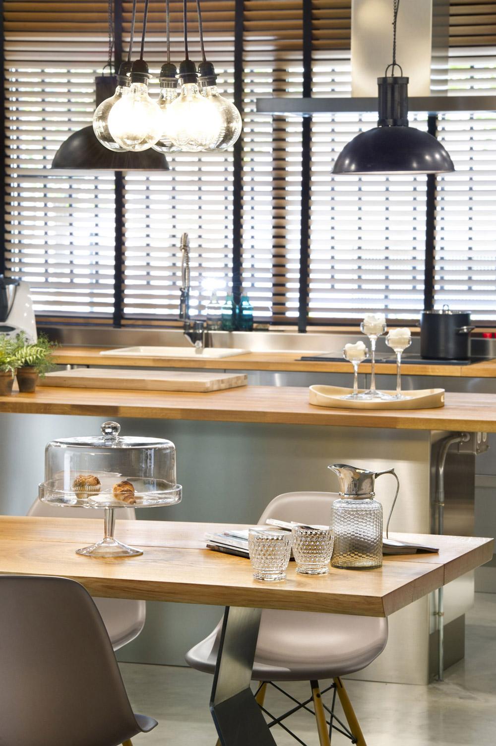 Dining Table, Kitchen, Pendant Lighting, Loft Style Home in Terrassa, Spain