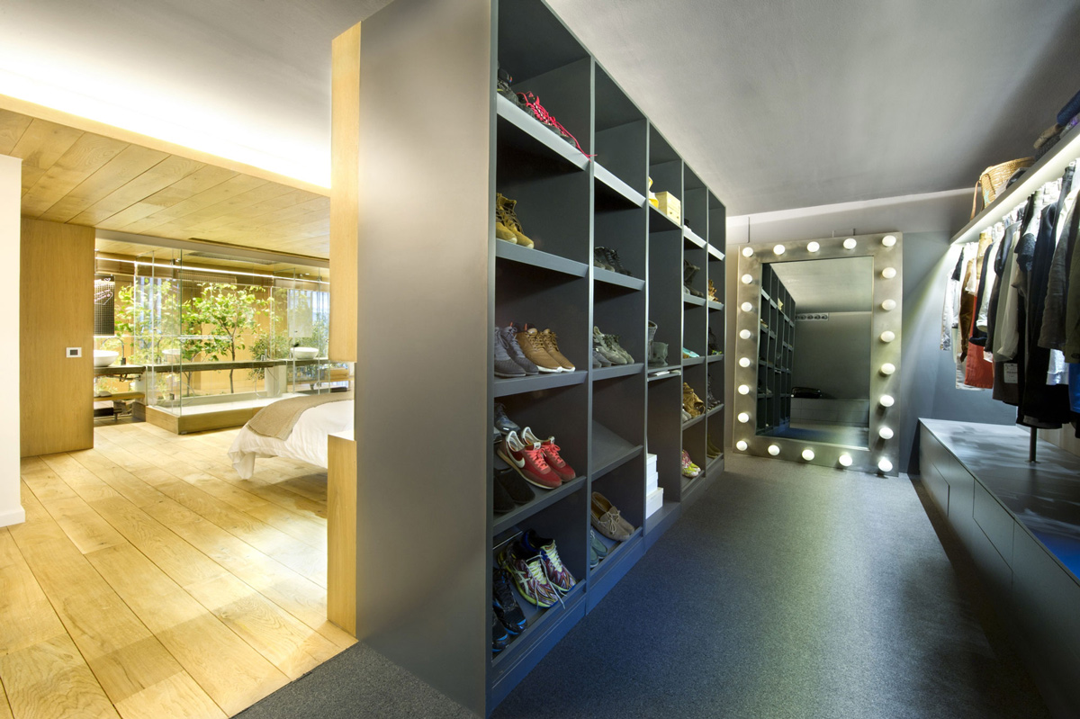 Dressing Room, Loft Style Home in Terrassa, Spain