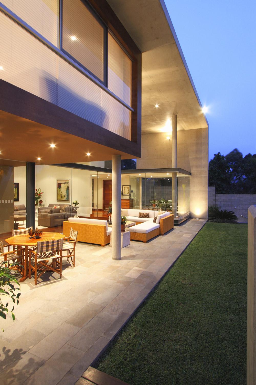 Dusk, Terrace, Lighting, Family Home in Lima, Peru