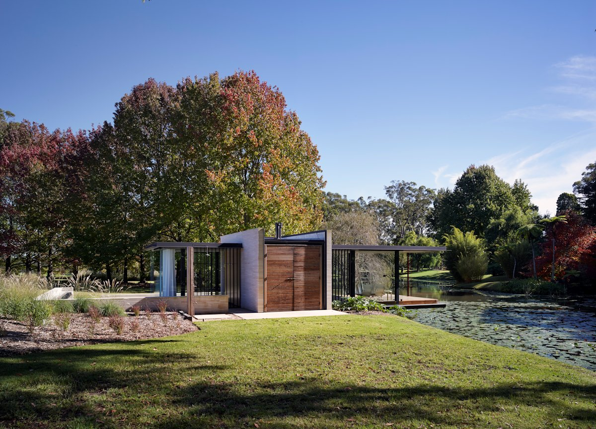 Entrance, Lawn, Pond, Glass Pavilion in Somersby, Australia