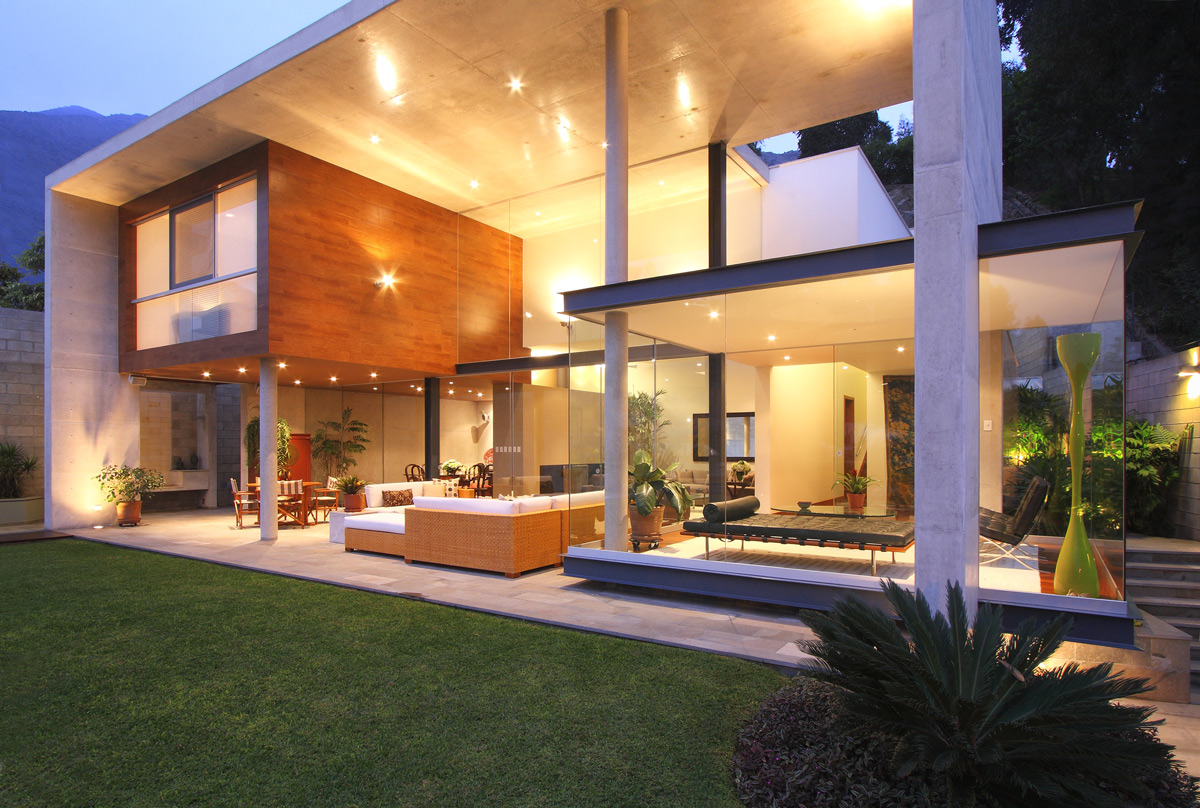 Evening, Lighting, Terrace, Glass Walls, Family Home in Lima, Peru