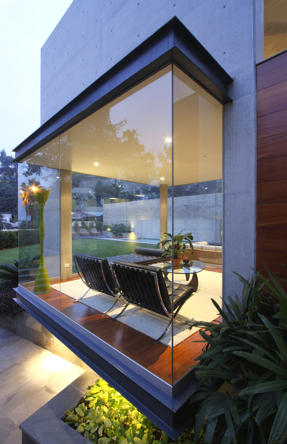 Floor-to-Ceiling Windows, Family Home in Lima, Peru