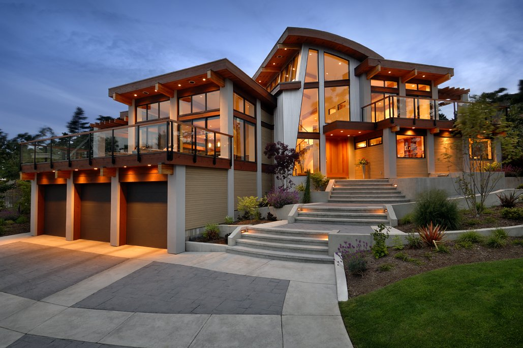 Garages, Driveway, Lighting, Modern Home in Victoria, British Columbia