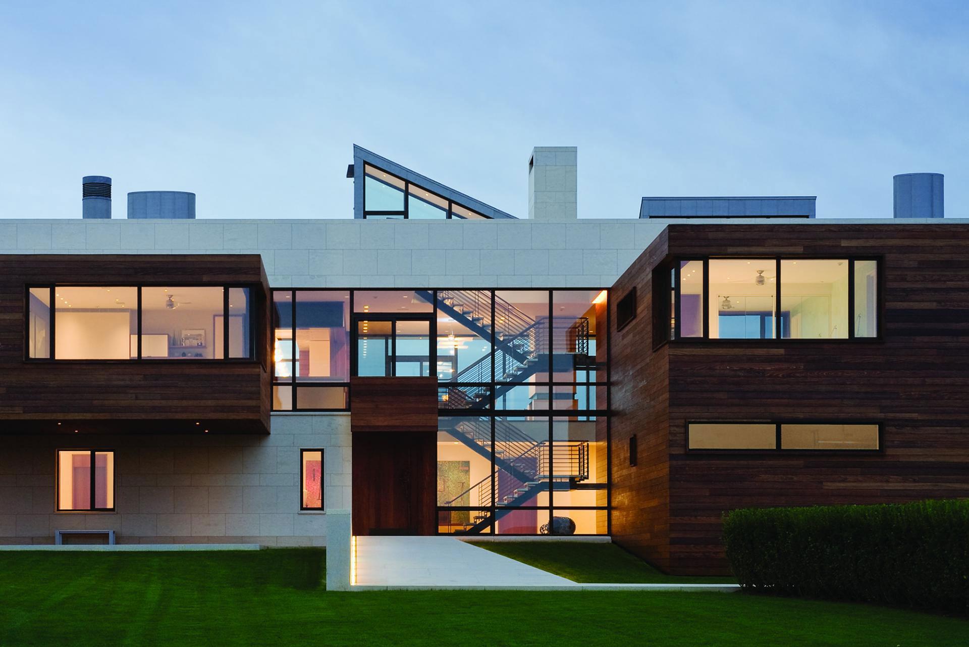 Garden, Glass Walls, Summer Retreat in Southampton, New York