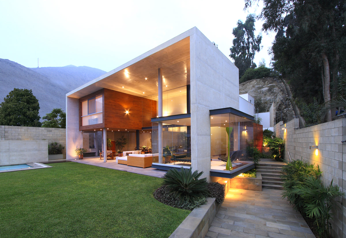Garden, Lighting, Family Home in Lima, Peru
