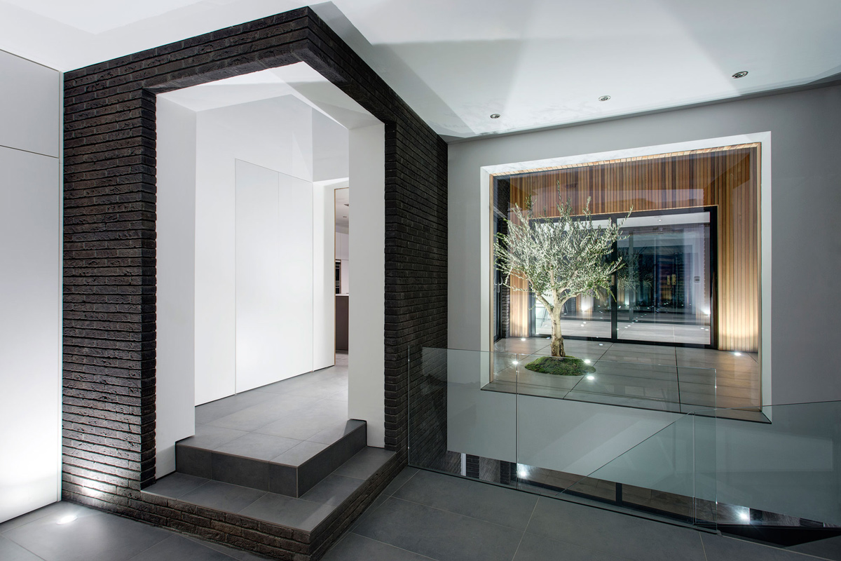 Glass Balustrading, Courtyard, Lighting, Modern Home in Hampshire, England