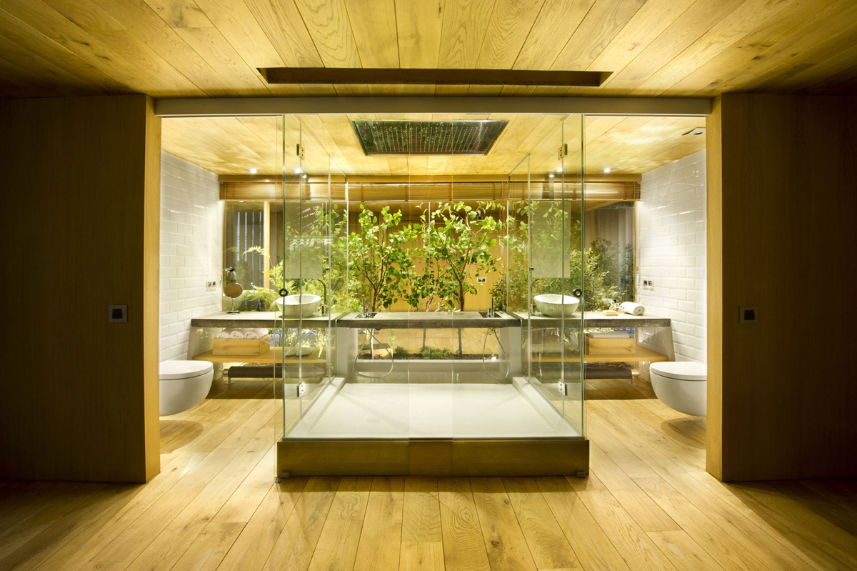 Glass Shower, Double Sinks, Loft Style Home in Terrassa, Spain