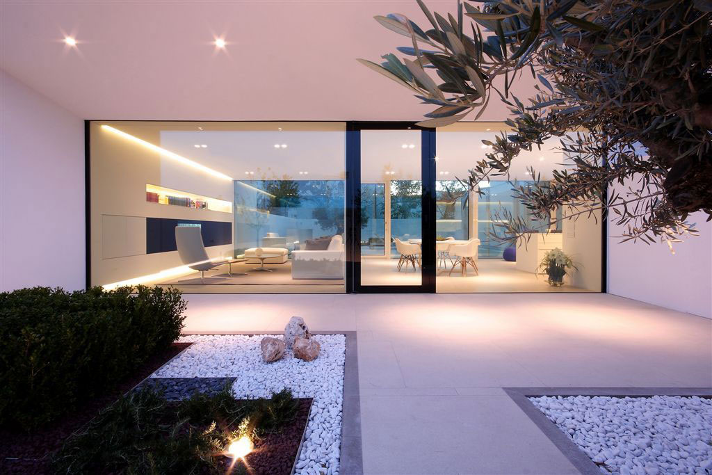 Glass Wall, Entrance, Contemporary Villa in Jesolo Lido, Venice, Italy
