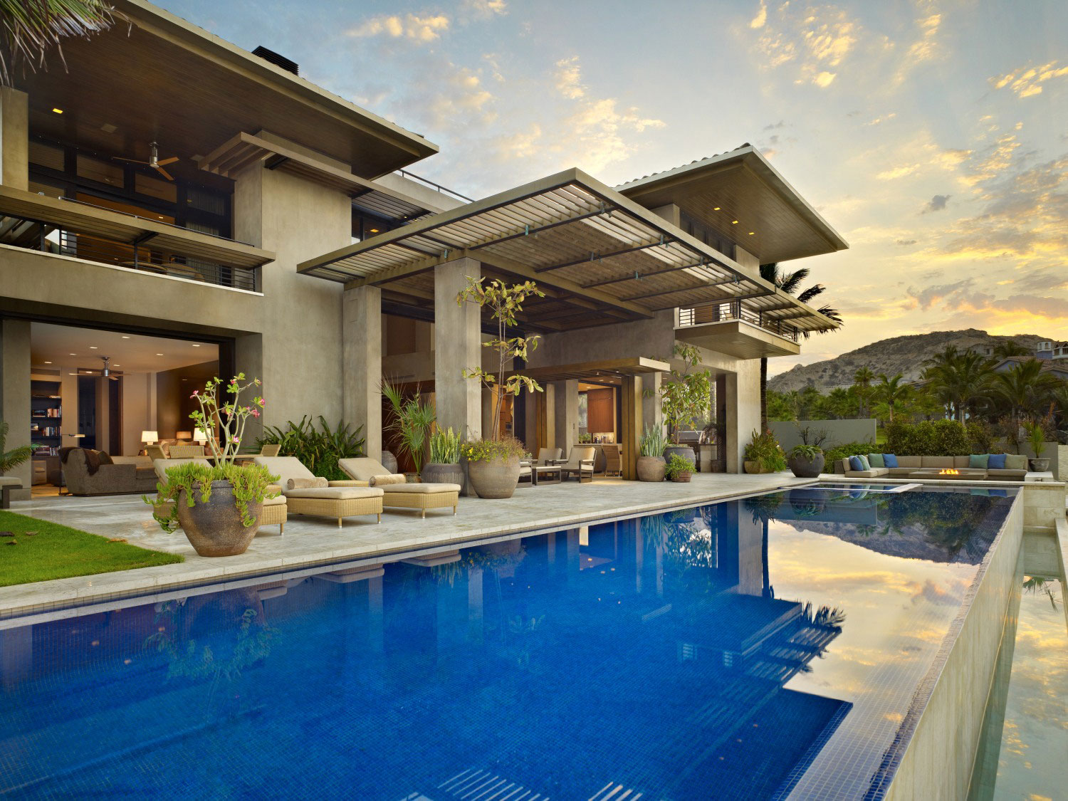 Infinity Pool, Terrace, Beachfront Home in Cabo San Lucas, Mexico