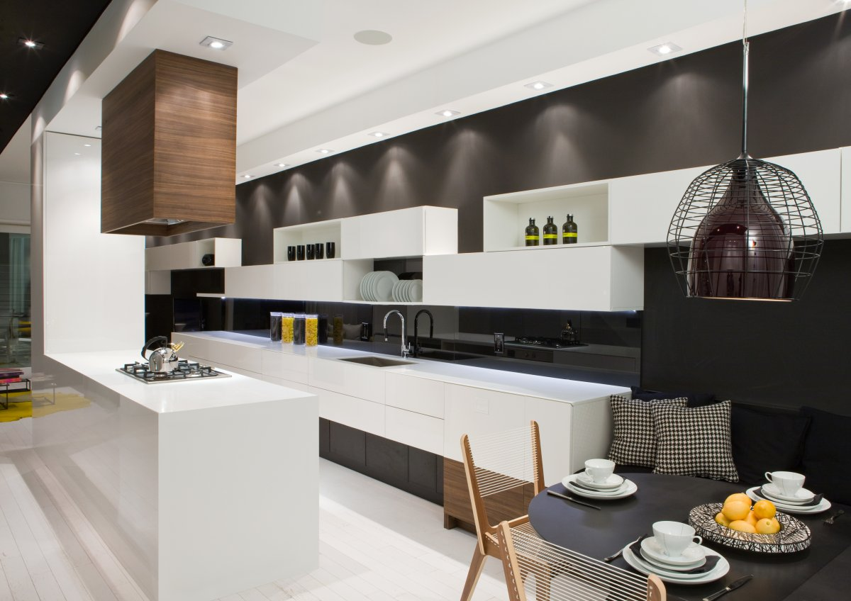 Kitchen Island, Black Wall, Breakfast Table, Contemporary Townhome in Toronto, Canada